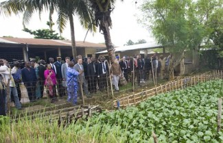 Secretary-General Ban Ki-moon visits a project called Centre Songhai in Benin.