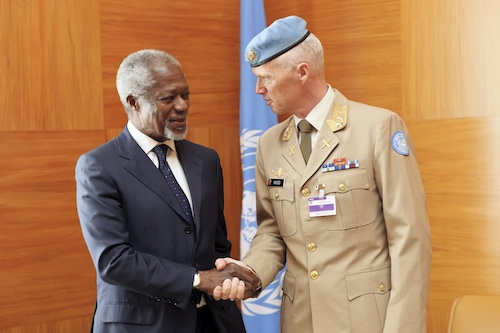 The United Nations and Arab League Joint Special Envoy for Syria, Mr. Kofi Annan meeting Major-General Robert Mood of Norway.