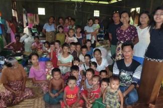 Myanmar people in need - OCHA Gemma Connell