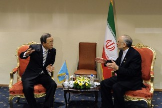 Iran Foreing Minister with Ban Ki-moon - source UN
