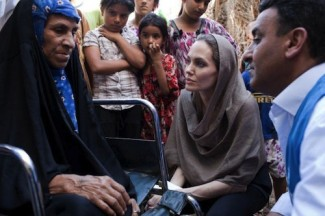 Syrian refugees Angelina Jolie - source UNHCR
