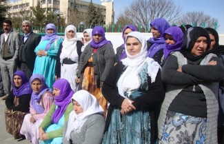 Turkey_courthearingDiyarbakir- source HRW