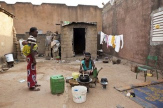 Mali family displaced - UNHCR