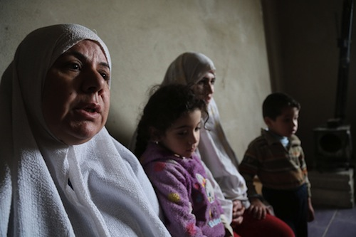 Syria family refugees - OCHA