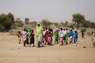Woman and children Darfur - UN