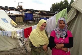 Syria refugees women - UNHCR