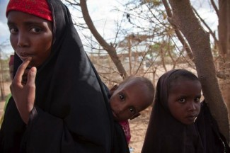 Somalia mother children - UNHCR