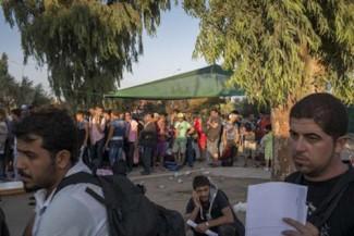refugees Mytilene UNHCR alyunaniya